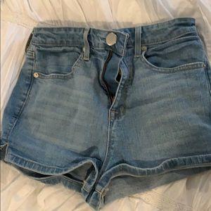 Hugh rise denim shorts